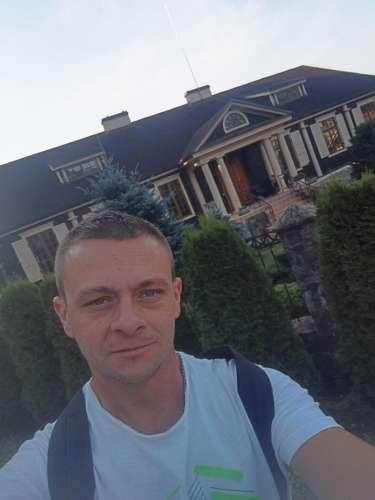 Sergey  (33 gadi)