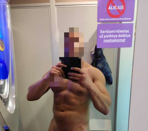Alexandr  (39 years)